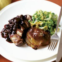 Duck breasts with grape and red wine sauce recipe