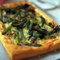 Cheesy leek puff tart recipe