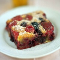 Raspberry and blackberry clafoutis (clafutis di lamponi e more) recipe