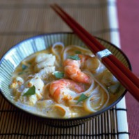 Thai-style soup with prawns, noodles and lemongrass recipe