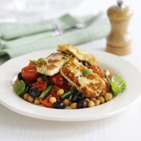 Warm halloumi salad