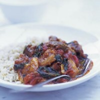 Lamb balti with spinach and apricots recipe