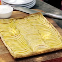 French apple tart with caramel sauce recipe
