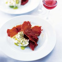 Buffalo mozzarella with crispy Serrano ham and roasted peppers recipe