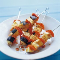 Halloumi, aubergine and red pepper kebabs recipe