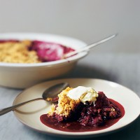 Autumn fruit crumble with nutty topping
