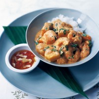 Thai prawn curry with lychees and pineapple recipe