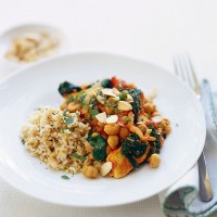Quorn and almond curry with spinach recipe
