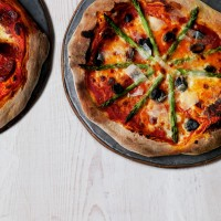 Speedy veggie pizza recipe