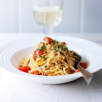 Crab, chilli and cherry tomato linguine recipe
