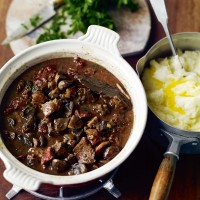 Beef in ale with mushrooms recipe