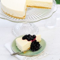 Baked Lemon Cheesecake with Blueberries