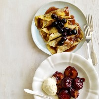 Blueberry and Banana Pancakes with Caramel Sauce