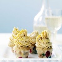 Sticky toffee and lime cakes with salted caramel frosting recipe
