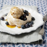 Maple syrup meringues with brown bread ice cream and blueberries recipe