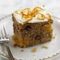 Carrot, apricot and raisin cake recipe