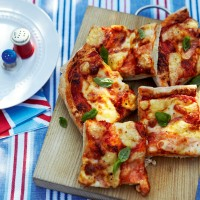 Three-cheese and tomato pizza recipe
