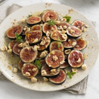Honey-Spiced Figs with Hazelnuts