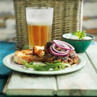 Indian spiced lamb burgers with raita recipe