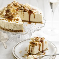Mascarpone cheesecake with bananas and butterscotch sauce recipe