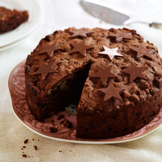 Chocolate Christmas Cake recipe - Christmas Cake decorating ideas ...