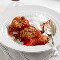 Baked Amaretti plums recipe