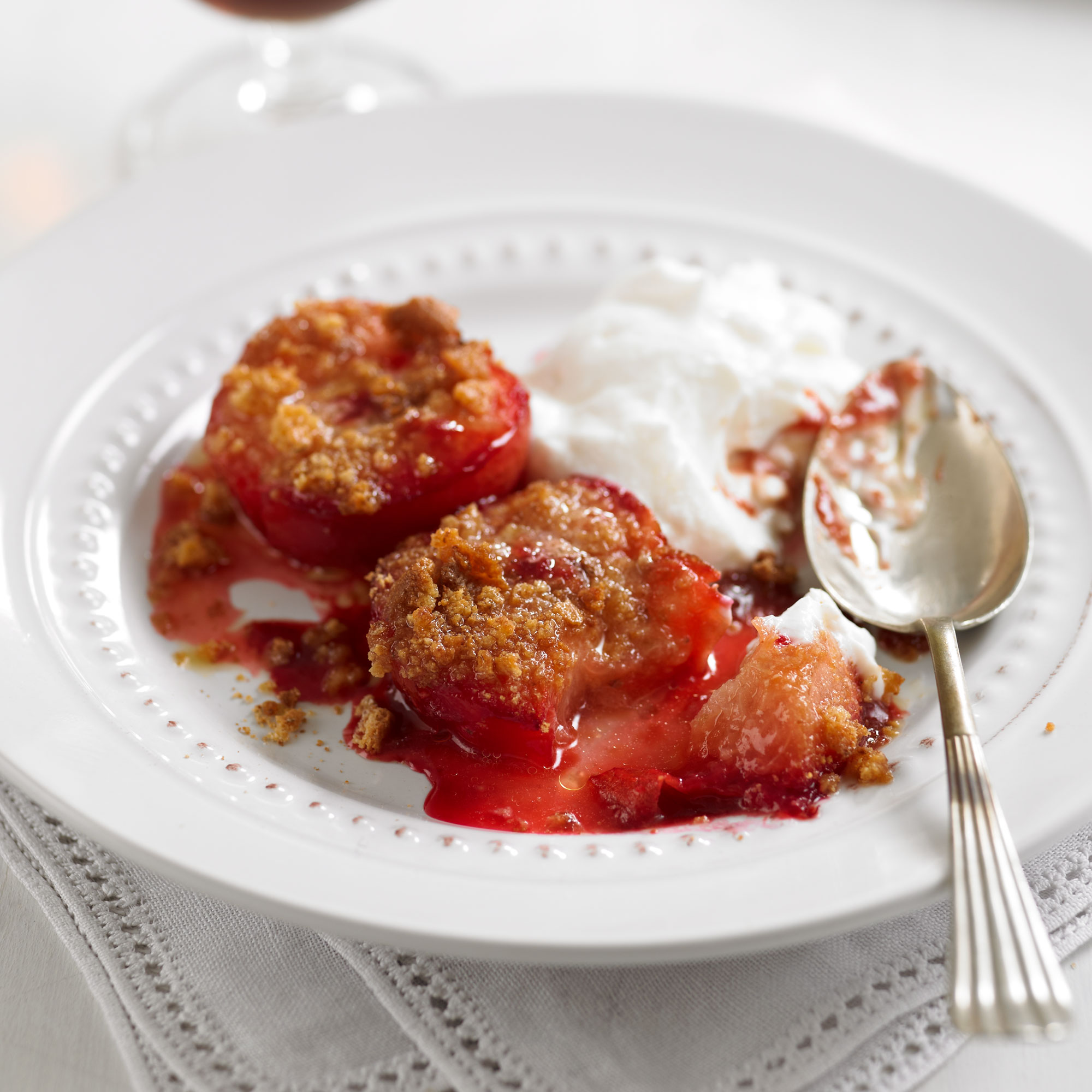 Baked Ameretti Plums