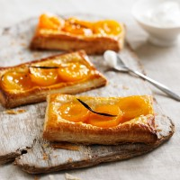 Apricot & vanilla tartlets recipe