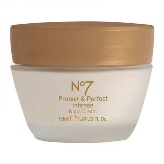 No7 Protect & Perfect Intense Day Cream-skincare-moisturiser-anti-ageing-woman and home-beauty tips