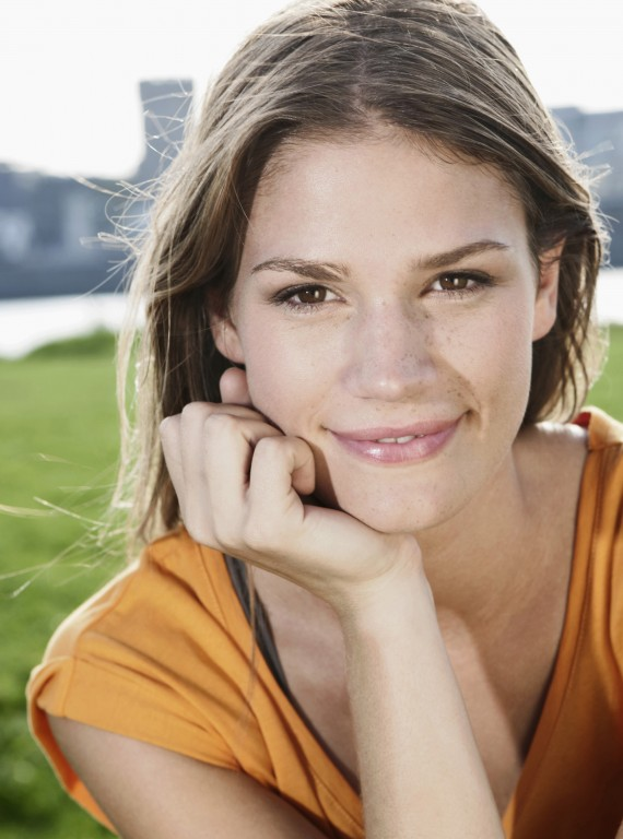 five tips for happiness_diet and wellbeing_woman and home