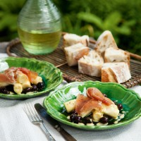 Palm hearts with Serrano ham, olives and vinaigrette