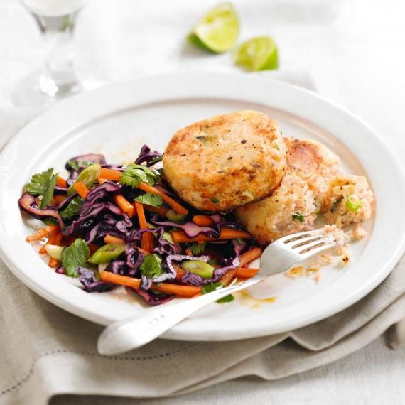 quick recipes-Salmon-ginger-fishcakes-salad-Woman&home