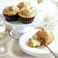 Salted peanut caramel cupcakes