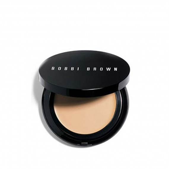 Compact of Bobbi Brown Foundation
