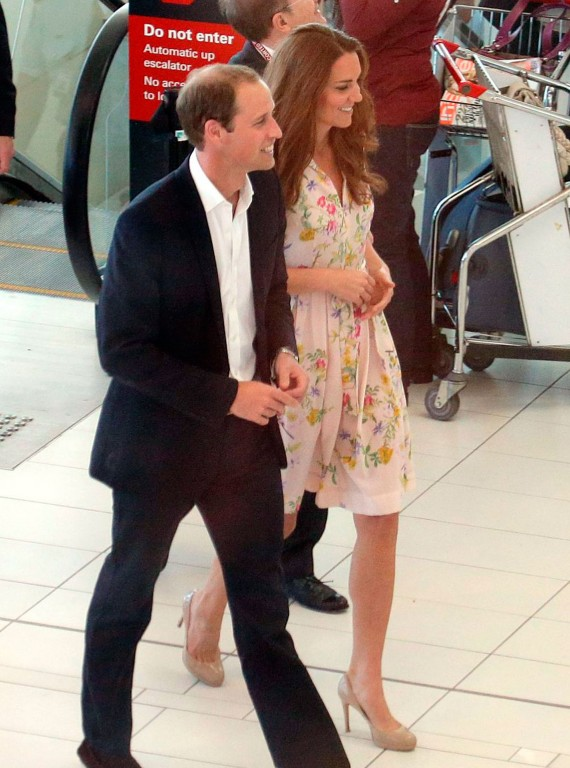 kate middleton prince william brisbane airport photo