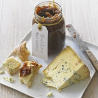Spiced Apple and Date Chutney