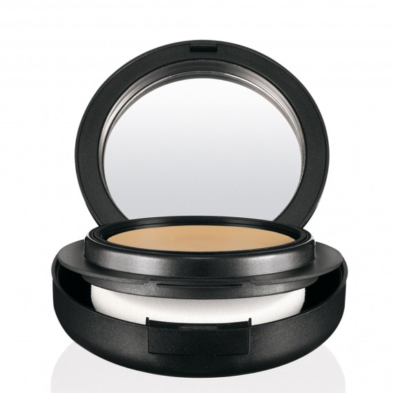 MAC Mineralize Foundation Compact photo