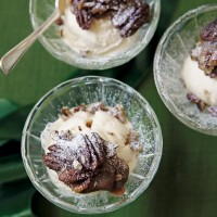 Ice cream with salted caramel sauce and toasted pecans