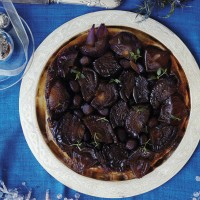 Red onion tarte tatin with chestnut mushrooms