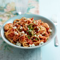 Linguine with Tomatoes, Prawns and Feta Cheese
