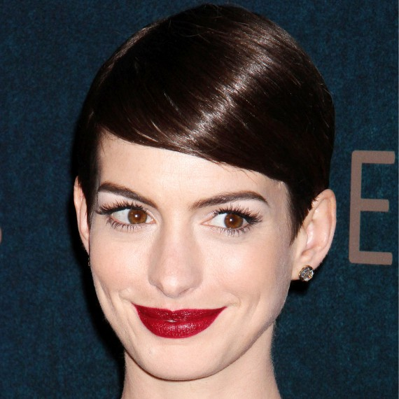 Anne Hathaway celebrity short hairstyles photo