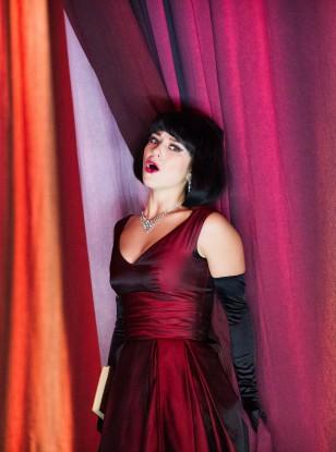 Maxi Sound, Minimal Staging at the ENO's La Traviata