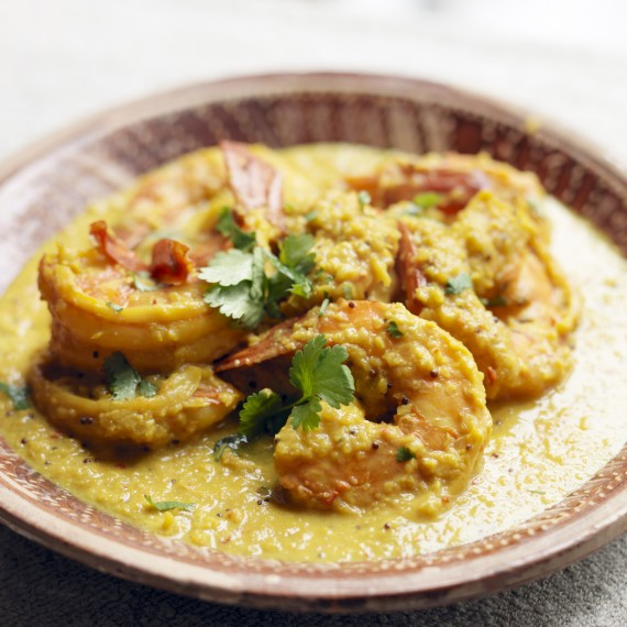 Hairy Bikers Keralan king prawn curry photo
