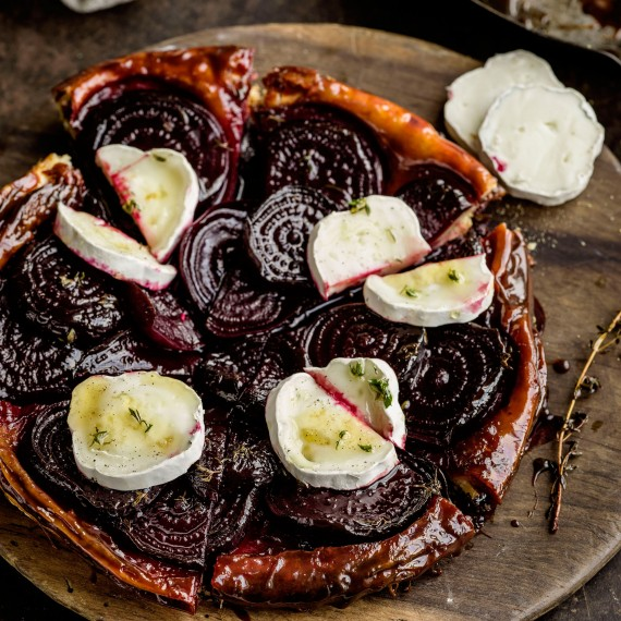 beetroot tart with goat's cheese photo