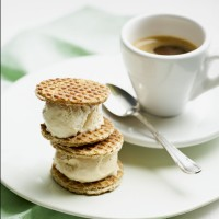 Toffee waffle ice cream wafers