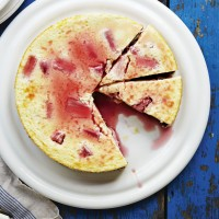 Rhubarb and ginger cheesecake