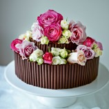 Rose and chocolate wedding cake