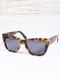 Urban Outfitters Sunday Somewhere Chely Sunglasses