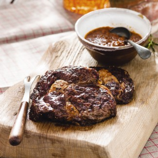 Rib-eye with smoky barbecue sauce