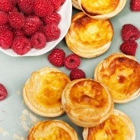 Little custard tarts